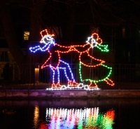 8' Victorian Skaters Shown in LED Lamps